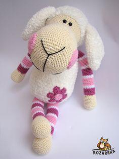 Working on . Crochet Sheep, Crochet Animals, Crochet Toys, Crochet Baby, Knitting Patterns, Crochet Patterns, Eco Friendly Toys, Baby Crib Mobile, Craft Items