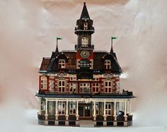 The Castle of the LEGO Rockies, the Glacier Falls Lodge has everything for your minifigures' dream vacations! Just a short tour bus ride away from Brickler Mountain National P...