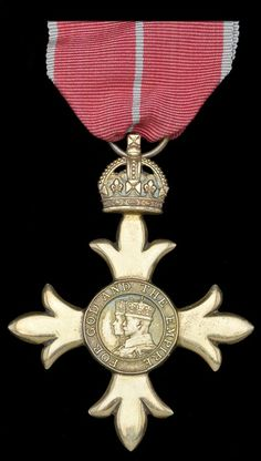 (Military) Officer's type breast badge. Military Awards, Military Officer, British Medals, War Medals, Military Orders, Grand Cross, Olympic Medals, Effigy, Chivalry