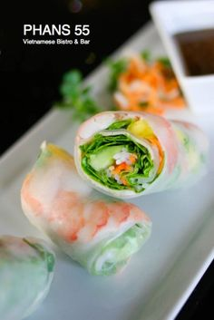 Traditional Spring Roll with peanut sauce