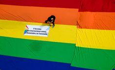 «LGTBfobia», junto y con mayúscula en las siglas…