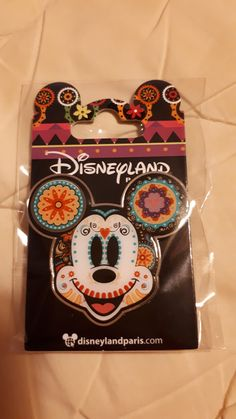 Deco Disney, Disney Fun, Disney Stuff, Disney Vacations, Disney Trips, Disney Pin Collections, Disneyland Pins, Alternative Disney, Adventures By Disney