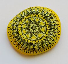 Hand Painted Stone Mandala, I am loving the idea of combining painting and doodling to create some beautifully uplifting pebbles and stones...