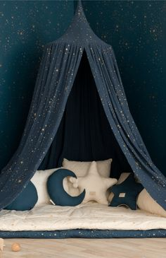 """"""""""" Nobodinoz Amour Canopy – Gold Stella/Night Blue """""""" The beautiful Amour Canopy from Nobodinoz. Light yet resistant, the canopy has floaty and delicate drapery that makes it a perfect bed decoration for your baby's crib or your kid's reading corner. Star Bedroom, Girls Bedroom, Night Bedroom, Childs Bedroom, Kid Bedrooms, Girl Rooms, Reading Corner Kids, Reading Nooks, Book Nooks"""