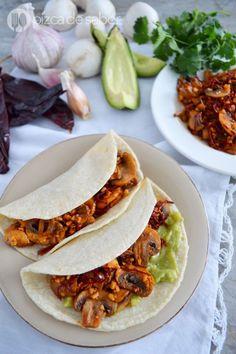 Champiñones al ajillo (champiñones con ajo y chile) www.pizcadesabor.com