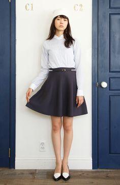 エムトロワ 小さな丸衿のガーリークレリックシャツ:ブルーピンストライプ | フェリシモ