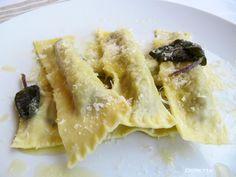 """""""Sigari"""" di pasta fatta in casa ripieni di carciofini violetti e ricotta"""