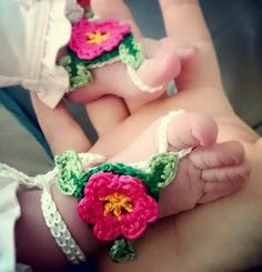 Ravelry: Baby Barefoot Flower Sandals pattern by Esther Chandler