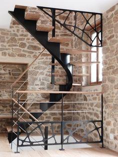 L\'Art de Fer artisan métallier d\'art - conception sur mesure d\'escalier métallique en Bretagne - Accueil > Les ouvrages > escaliers contemporains > escaliers 2-4 tournant