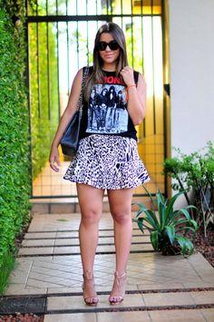 Look: muscle tee + leopard print!