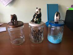 Animal diy jars painted. Botes con figuritas de animales. He decorado los botes en sí también. Se puede tematizar de lo que quieras!