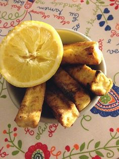 Uns filetes sequinhos, leves, crocantes e aromáticos que tanto servem de aperitivo como de refeição, acompanhados de arroz malandrinho