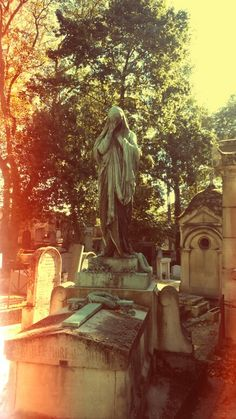 Père Lachaise cemetery.  By BloodyAlice. 27 septembre 2015.