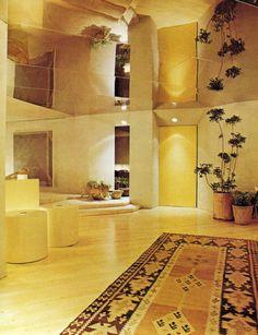 New York Highrise - John Saladino The NYT Book of Interior Design and Decoration ©1976