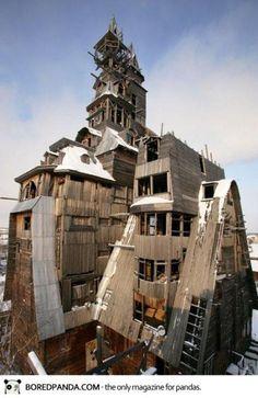 世界の奇想天外でおもしろい建築物を10個集めてみた