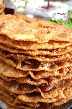 Buñuelos de piloncillo y anís La Malexa Ce Ingredientes: 4 tazas de harina cernida 1 cucharada de polvo de hornear 1 cucharada a tope de manteca vegetal 6 huevos 1/2 piloncillo cortado en pedazos y derre... ... ...