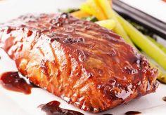 Maple Glazed Salmon Recipe - tonight& dinner was fantastic! Ww Recipes, Salmon Recipes, Fish Recipes, Seafood Recipes, Great Recipes, Dinner Recipes, Cooking Recipes, Favorite Recipes, Healthy Recipes