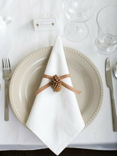 Sweet, simple, and very appropriate table setting for your festive feast!  #Christmas