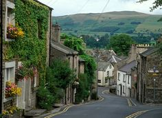 kirkby-village Kirkby Lonsdale, it's surrounded by the beautiful Lake District and Yorkshire Dales villages and towns such as Wennington, Wray, Hawes, Clapham, and Settle.
