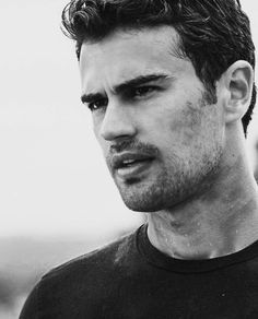 Theo James, Theodore James, Tobias, Most Beautiful Man, Gorgeous Men, Divergent Book, Good Looking Actors, Kellin Quinn, Cute Actors