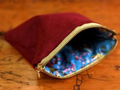 Create a Custom Bag for Cosmetics >> http://www.diynetwork.com/decorating/how-to-sew-a-lined-makeup-bag/pictures/index.html?soc=pinterest