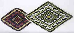 I really like the two primary colours; green, white, black and red. I also really like the design and how it is constructed. Primary Colors, Bohemian Rug, Two By Two, Beaded Bracelets, Colours, Cleaning, Tools, Inspired, Patterns
