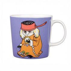 Moomin mugs and home decor items - Buy online from Finnish Design Shop. Large selection of authentic Moomin products! Moomin Shop, Moomin Mugs, Coffee Tin, Coffee Mugs, Tove Jansson, Cool Mugs, Marimekko, Ceramic Cups, Mug Designs