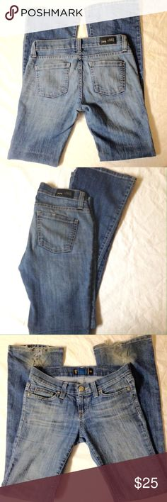 RSQ Sydney skinny bootcut jeans Great condition- only sign of wear is on the bottom hemline and is minimal.   🎀Free gift with every shipment 🎀 RSQ Jeans Boot Cut