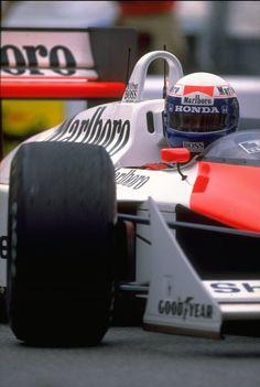 Alain Prost, McLaren MP4/4 - Honda RA168-E 1.5 V6 (t/c) (1988)