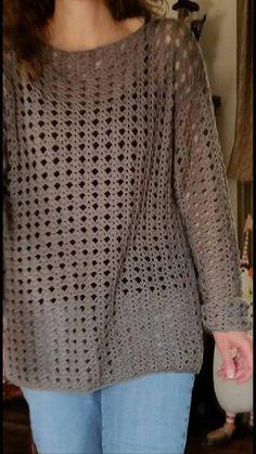 Esra Özkuzu's media content and analytics Crochet Tunic Pattern, Crochet Shirt, Crochet Jacket, Crochet Flower Patterns, Crochet Cardigan, Knit Crochet, Crochet Fashion, Crochet Clothes, Pulls