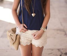Cute, simple outfit with bows and lace shorts! Lace shorts are so comfortable too! Cute Summer Outfits, Short Outfits, Spring Outfits, Casual Outfits, Cute Outfits, Summer Clothes, Outfits 2014, Dinner Outfits, Summer Dresses