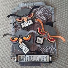 Halloween Paper Crafts, Halloween Tags, Halloween Projects, Fall Halloween, Skull Coloring Pages, Tim Holtz Dies, Owl Card, Artist Trading Cards, Fall Cards