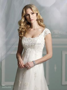 2013 Wedding Dress Allure Gown Scoop Empire Waist Organza Lace Applique Court Train Destination Gown