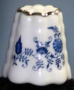 Vintage German - Reutter - Porcelain Thimble.