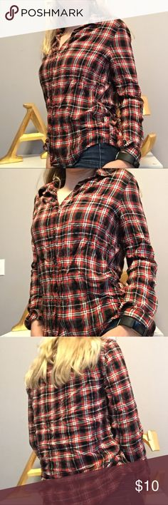 • plaid button up • • Red and black plaid button up.   • Size small.   • Only worn twice, no flaws.   • Brand is forever 21.   • Good quality.   • Smoke free home.   • Same or next day shipping.   • For my reference only: item #87 Forever 21 Tops Button Down Shirts