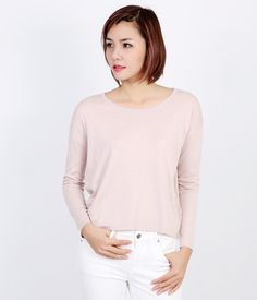 """Áo len nữ cổ tròn không chỉ là ấm áp, mà còn rất thời trang và """"sành điệu"""".  #aolen #aolennu #sweater #roundnecksweater"""