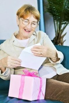 Finding the perfect gift idea for an elderly family member or friend can be challenging. People in their late 70s, 80s, and 90s may have downsized their living spaces or may live in group homes with limited personal space. Many times, comfort, practicality, and improvement in the quality of life may outweigh novelty when picking a gift for an elderly person.