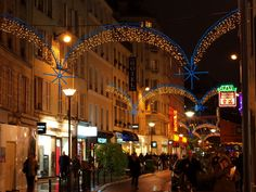 Christmas lights in Rue du Commerce, Paris © French Moments
