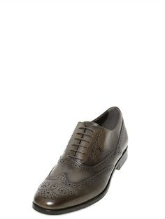 TOD'S BROGUED LEATHER OXFORD SHOES Lace Up Shoes, Dress Shoes, Luxury Shop, Oxford Shoes, Brown, Sneakers, Leather, Style, Fashion