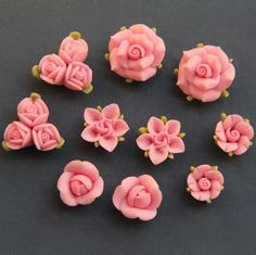 Polymer Clay DIY Flowers for Earring by naturaler Polymer Clay Kunst, Fimo Clay, Polymer Clay Charms, Polymer Clay Projects, Clay Crafts, Polymer Clay Jewelry, Clay Earrings, Polymer Clay Miniatures, Sugar Flowers