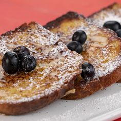 Sweet French Toast: the best way to start the week! Easy Cooking, Cooking Time, Healthy French Toast, Grands Parents, Le Chef, Creative Cakes, I Love Food, Fett, Sweet Recipes