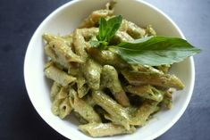PP - Pasta & Pesto! Wholewheat penne with freshly made pesto; a beautiful and delicious combination. Find the recipe on my blog!