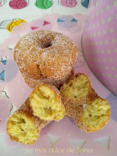 Rosquillas de Mamá Rosa Doughnut, Desserts, Pink, Donut Hole Recipe, Sweet Recipes, Cookies, Cooking, Pies, Tailgate Desserts