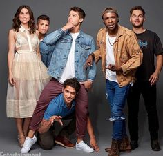Teen Wolf: Shelley Hennig, Charlie Carver, Cody Christian, Tyler Posey, Khylin Rambo, and Dylan Sprayberry at San Diego Comic Con 2017 SDCC (photo via Entertainment Weekly)