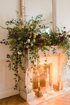 Flower arrangements - Romantic Snowy Elopement in Paris – Flower arrangements Wedding Flower Arrangements, Floral Arrangements, Deco Floral, Floral Design, Wedding Decorations, Christmas Decorations, Holiday Decor, Holiday Candles, Flower Decorations