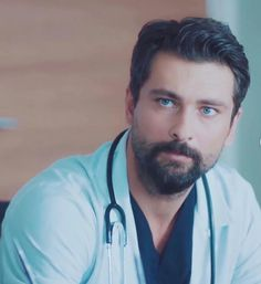 Doctors Series, Hot Doctor, Turkish Actors, Film, Bear, Cute Guys, Men, Movie, Movies
