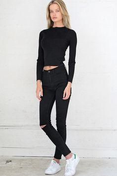 Frida Aasen - female model at Le Management
