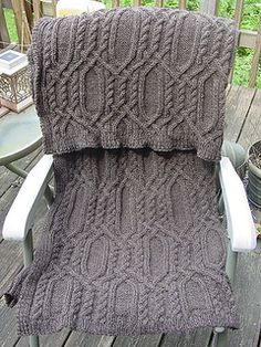 Beautiful Cable Scarf- Free Pattern