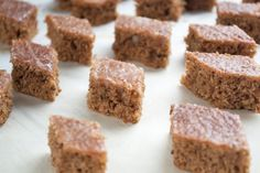Mit diesem Schüttellebkuchen-Rezept nach Omas Art gelingt ein lockerer und sehr schmackhafter #Lebkuchen im Handumdrehen.