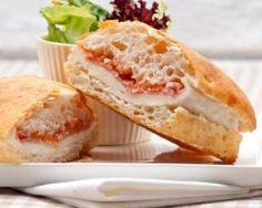 Sandwich tomate-crabe minceur : http://www.fourchette-et-bikini.fr/recettes/recettes-minceur/sandwich-tomate-crabe-minceur.html